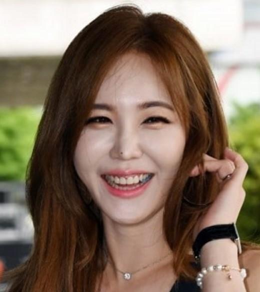 Kang Ye-Bin Biography