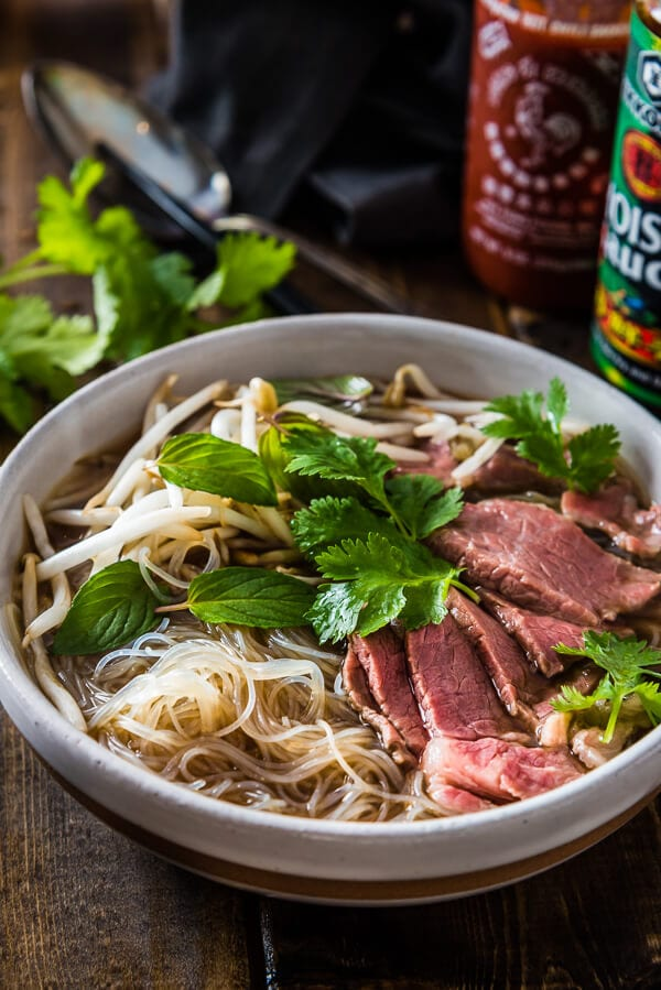 Vietnamese Food Guide: 10 Must-Try Dishes in Vietnam