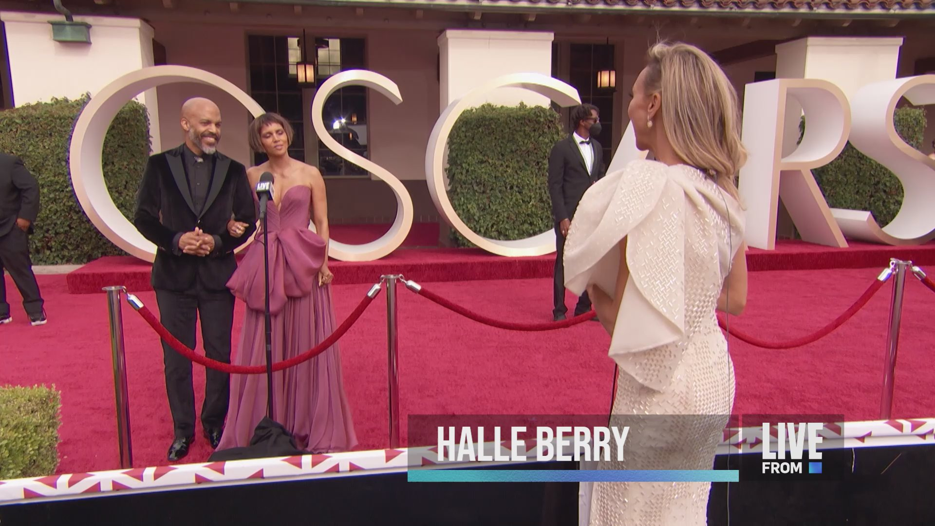 Halle Berry Reacts After Fan Pokes Fun at Her 2021 Oscars Look